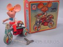 1. Brinquedos antigos - Estrela - Topo Gigio no Triciclo com 10,00 cm de altura Década de 1960