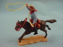 1. Brinquedos antigos - Timpo Toys - Cowboy montado a cavalo com laço