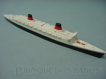 1. Brinquedos antigos - Tri Ang - Navio SS France Waterline Models Década de 1960