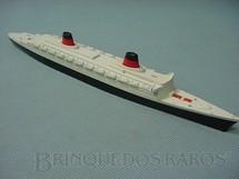 1. Brinquedos antigos - Tri Ang - Navio SS France Waterline Models Década de 1960