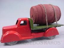 1. Brinquedos antigos - Sem identificação - Caminhão com barril 14,00 cm de comprimento Década de 1930