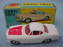 "1. Brinquedos antigos - Corgi Toys - The ""Saints"" Car Volvo P 1.800"