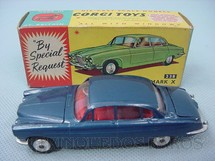 1. Brinquedos antigos - Corgi Toys - Jaguar Mark X Saloon azul Ano 1964
