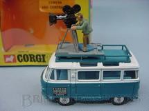 1. Brinquedos antigos - Corgi Toys - Commer Mobile Camara Van