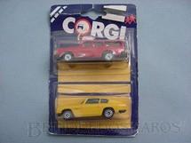 1. Brinquedos antigos - Corgi Toys-Corgi Jr. - Aston Martin DB6 e Volvo 245DL Blister duplo lacrado Corgi Jr