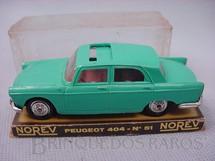 1. Brinquedos antigos - Norev - Peugeot 404 Década de 1960