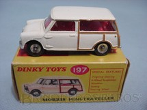 1. Brinquedos antigos - Dinky Toys - Morris Mini Traveller Década de 1950
