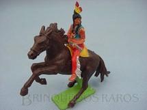 1. Brinquedos antigos - Britains - Índio montado a cavalo com rifle Série Deetail Década de 1970