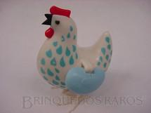 1. Brinquedos antigos - Sem identificação - Galinha que põe ovos brinde do caldo Maggi em 1987