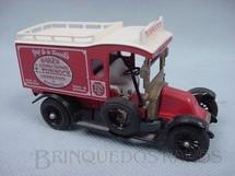 1. Brinquedos antigos - Matchbox - Caminhonete 1910 Renault Type AG Van Yesteryear