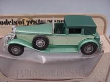 1. Brinquedos antigos - Matchbox - 1930 Model J Duesenberg Yesteryear verde