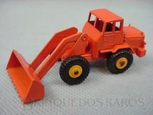 1. Brinquedos antigos - Matchbox - Hatra Tractor Shovel black plastic Regular Wheels laranja