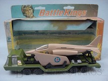 1. Brinquedos antigos - Matchbox - Military Aircraft Transporter Battle Kings completo com avião Década de 1970