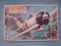 1. Brinquedos antigos - Matchbox - Avião Mitsubishi Zero-Sen