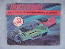 1. Brinquedos antigos - Matchbox - Catálogo 1971 Edição em inglês