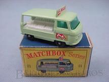 1. Brinquedos antigos - Matchbox - Commer Milk Float black plastic Regular Wheels Cow decal