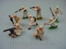 1. Brinquedos antigos - Sem identificação - Conjunto de oito soldados com uniforme de inverno