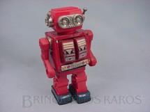 1. Brinquedos antigos - Sem identificação - Robot com metralhadora no peito de lata e plástico com 30,00 cm de altura Década de 1980