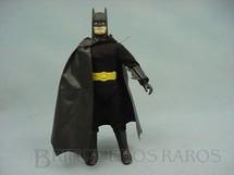 1. Brinquedos antigos - Sem identificação - Boneco do Batman com 20 cm de altura Roupa de tecido Década de 1980