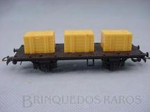 1. Brinquedos antigos - Atma - Vagão prancha de dois eixos com três caixas amarelas Década de 1970