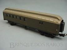 1. Brinquedos antigos - Atma - Carro de Passageiros verde Companhia Paulista segunda classe e bagagem Década de 1960