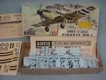 1. Brinquedos antigos - Airfix - Avião Firefly Mk.5