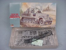 1. Brinquedos antigos - Hasegawa - Veículo militar German 8 Ton. Half Track