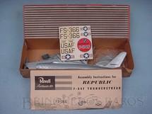 1. Brinquedos antigos - Revell - Avião Republic F84 F importado e embalado pela Mobral na década de 1970