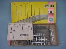 1. Brinquedos antigos - Faller - Conjunto de poste de iluminação para pistas HO Década de 1960