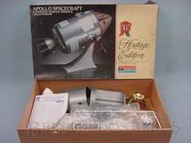 1. Brinquedos antigos - Monogram - Apollo Spacecraft módulo de comando e de serviço do Programa Apollo