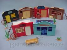 1. Brinquedos antigos - Timpo Toys - Cidade do Faroeste com seis Casas completa Década de 1970
