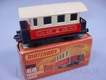 1. Brinquedos antigos - Matchbox - Passenger Coach Superfast