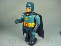 1. Brinquedos antigos - A.S.C. - Robot do Batman com 30,00 cm de altura Década de 1970