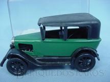 1. Brinquedos antigos - San Mauricio - Calhambeque verde com 10,00 cm de comprimento Década de 1970