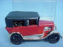 1. Brinquedos antigos - San Mauricio - Calhambeque vermelho com 10,00 cm de comprimento Década de 1970