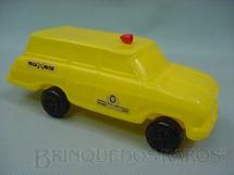 1. Brinquedos antigos - Sem identificação - Chevrolet Veraneio C14 com 18,00 cm de comprimento. Década de 1980