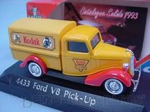 1. Brinquedos antigos - Solido - Ford V8 1936 Pick Up Kodak Acompanha Catálogo 1993