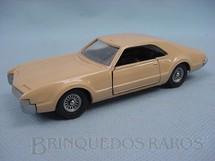 1. Brinquedos antigos - Solido-Brosol - Oldsmobile Toronado creme Fabricada pela Brosol Solido brésilienne Datado 3-1967