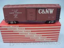 1. Brinquedos antigos - Pioneer - Vagão Box Chicago + North Western Década de 1960