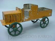 1. Brinquedos antigos - Sem identificação - Caminhão com 15,00 cm de comprimento Década de 1920