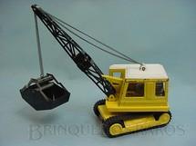 1. Brinquedos antigos - Bandai - Guindaste Escavadeira com esteiras 30,00 cm de altura Década de 1970