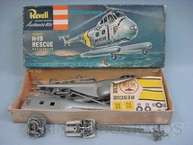 1. Brinquedos antigos - Revell - Helicóptero Sikorsky H-19 Rescue Helicopter Caixa dura Algumas peças já montadas