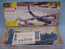 1. Brinquedos antigos - Revell - Avião Convair R3Y-2 Tradewind completo lacrado caixa dura Década de 1960