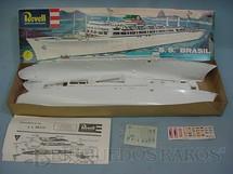 1. Brinquedos antigos - Revell - Navio de Passageiros SS Brasil Caixa mole retratando a paisagem do Rio de Janeiro Década de 1970