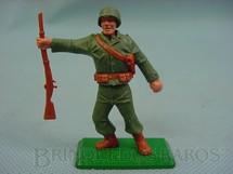 1. Brinquedos antigos - Timpo Toys - Soldado Americano da Segunda Guerra de pé com fuzil base de metal Década de 1970