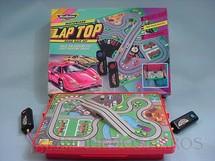 1. Brinquedos antigos - Micro Machine - Autorama Motorized Lap Top Os carros tem 1,50 cm de comprimento Década de 1980
