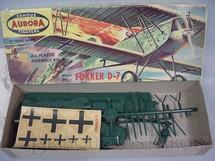 1. Brinquedos antigos - Aurora - Avião Fokker D-7 Década de 1960