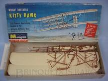 1. Brinquedos antigos - Monogram - Avião dos Irmãos Wright Kitty Hawk Wright Brothers Década de 1960