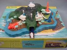 1. Brinquedos antigos - Trol - Ilha Secreta Thunderbirds Perfeito estado completa Década de 1960