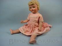 1. Brinquedos antigos - Suzanne - Boneca de massa com 50,00 cm de altura Roupa original Olhos de plástico pintado Década de 1940
